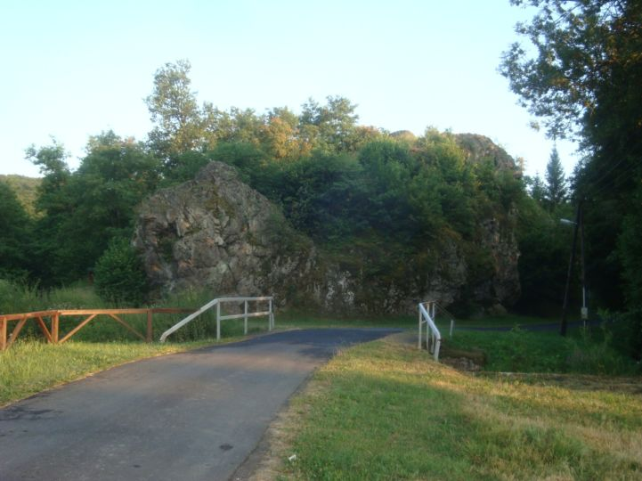 Bózsvai szikla (Bélakő)