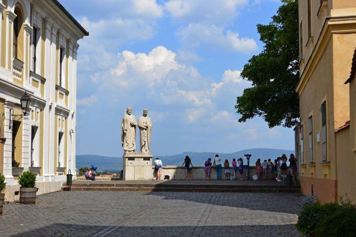 Szent István és Boldog Gizella szobra - Ispánki József alkotása