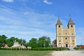Mindszentek római katolikus templom és Szent sír kálvária