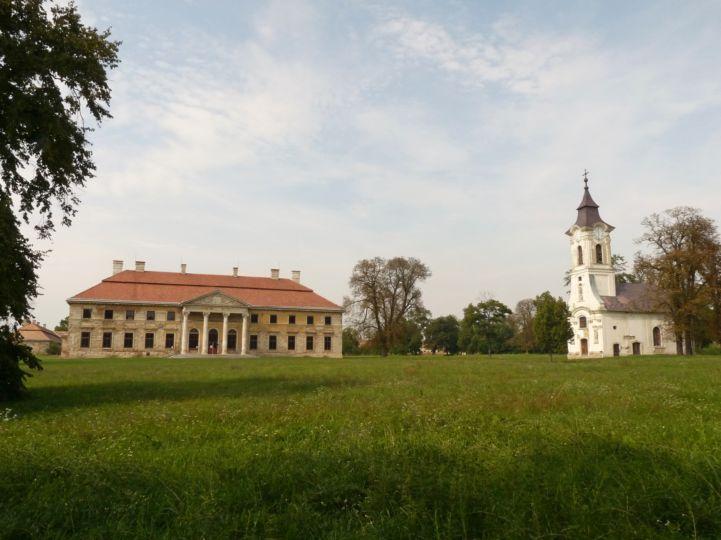Cziráky-kastély és kápolna