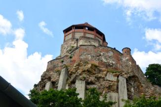az esztergomi vár impozáns része, a Fehér torony