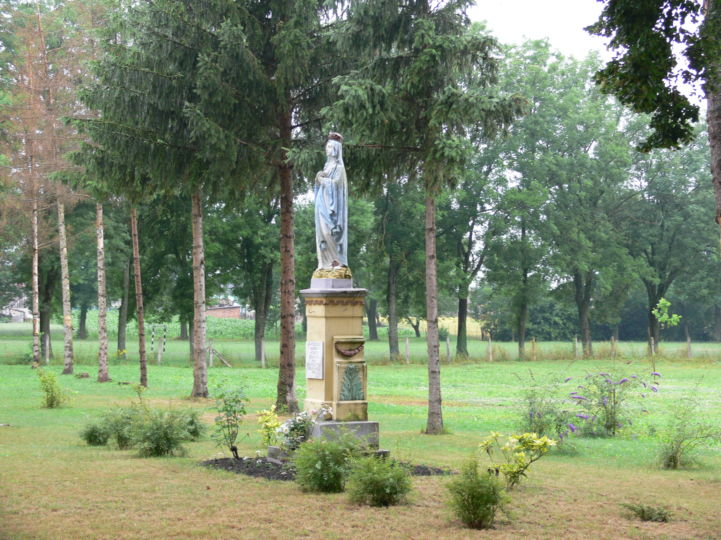 Mária-szobor Orosztonyban