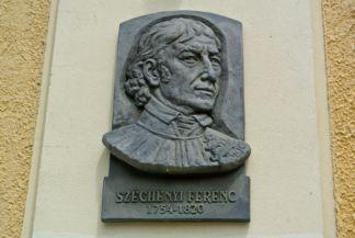 Széchényi Ferenc dombormű a Mindszentek római katolikus templom falán