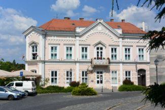 lakóház az Óváros téren