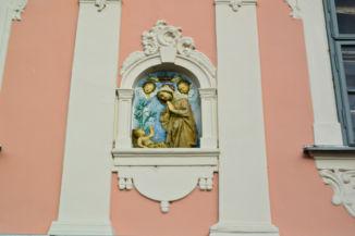 neoreneszánsz Madonna féldombormű a Gróh-házon