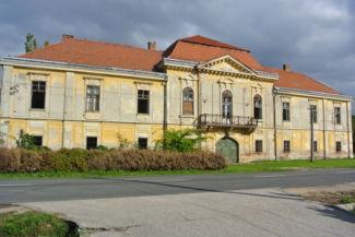 Ürményi-kastély
