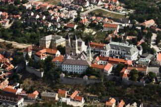 légi fotó Veszprém váráról és környékéről