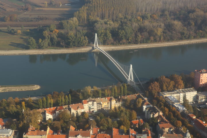 Pedestrian bridge and Promenade  Photo: Green Osijek/Antunovac
