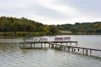 horgászállás a Jenői-tavon