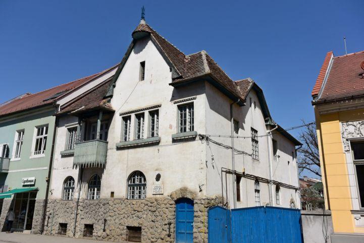 Keresztes-ház, Kós Károly által tervezett lakóépület, melyben Bartók Béla is időzött