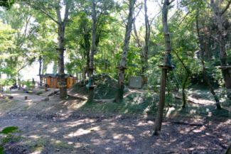 akadálypálya a kalandparkban (Kalandsziget Tihany)