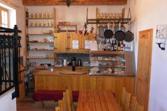 etyeki sajtútállomás