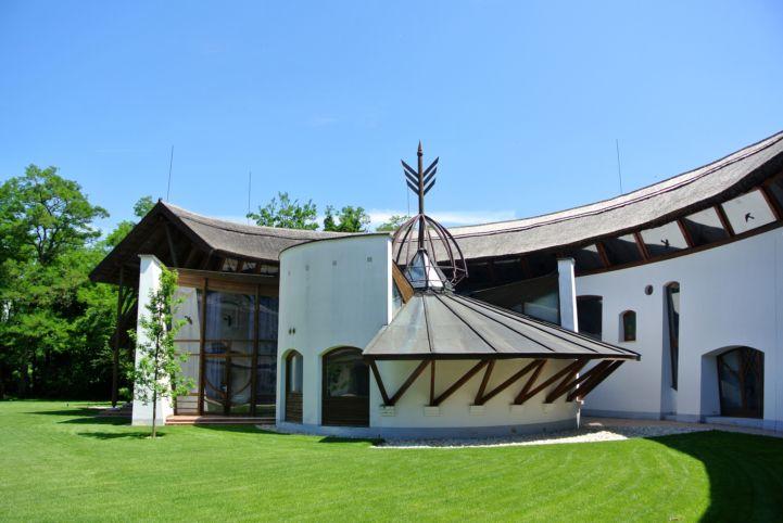 információs pont a Kócsagvár Látogatóközpont középső részén