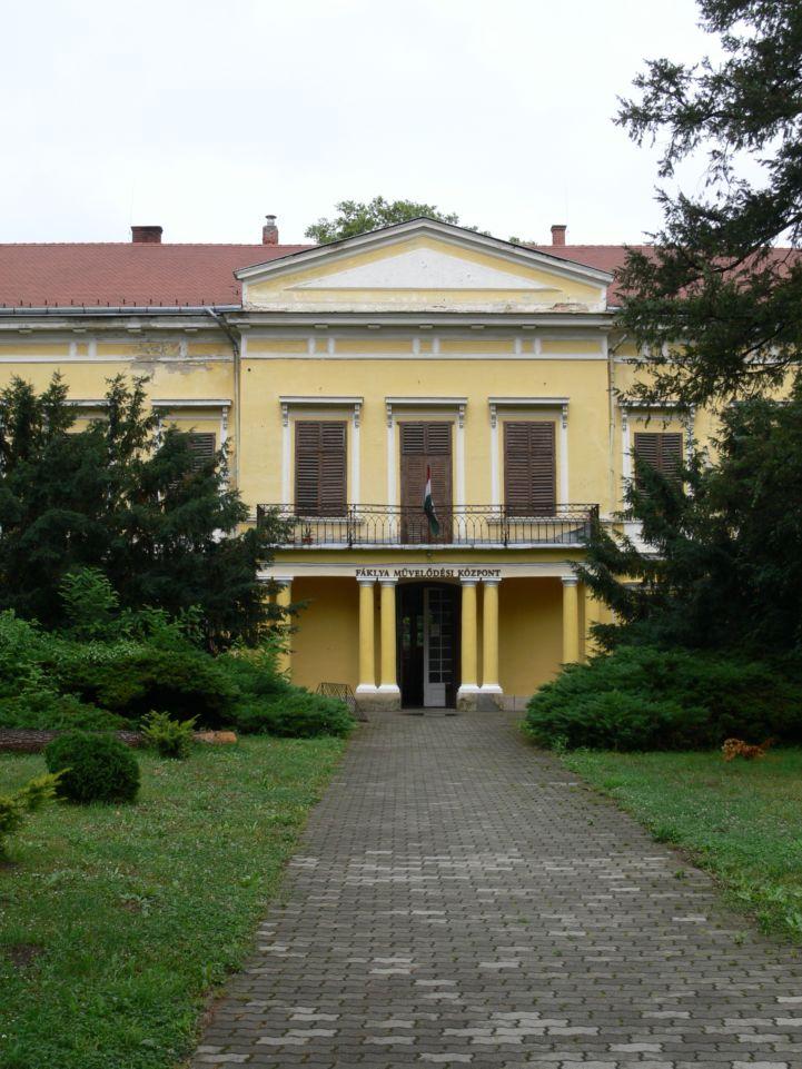 Szapáry–Andrássy-kastély, ma Fáklya Művelődési Ház