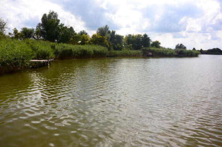 horgásztónak használt víztározó