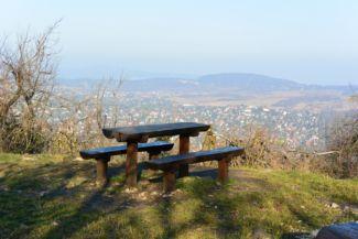 pihenőhely a Nagy-Hárs-hegy tetején