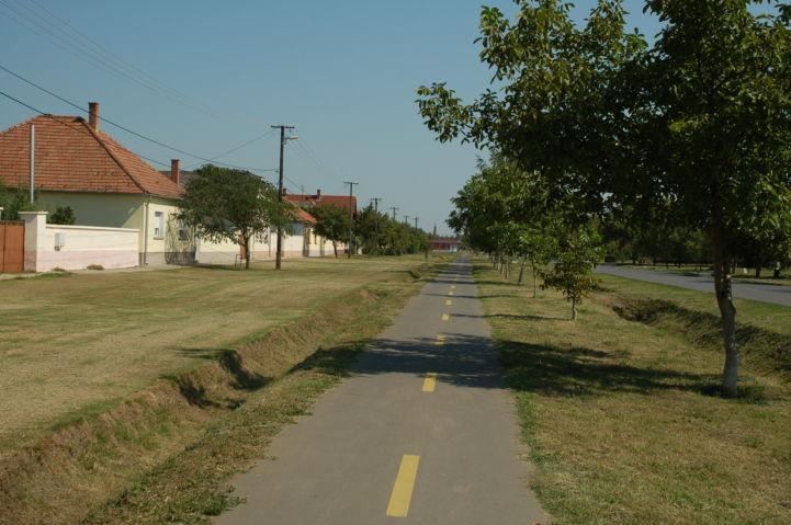 kerékpárút Madarason