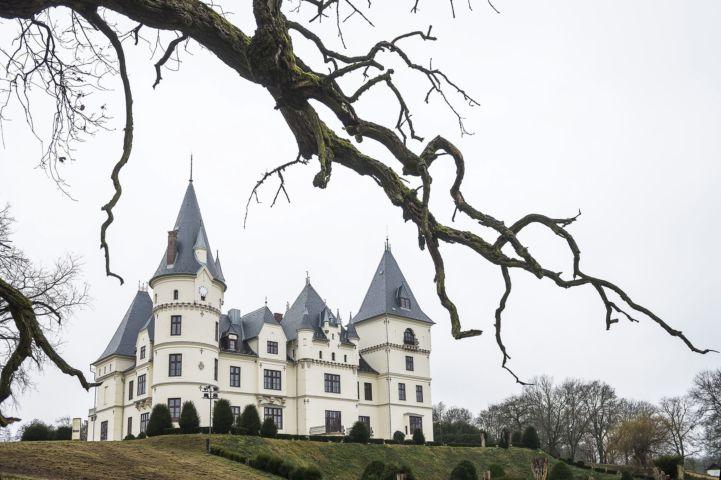 A felújított Andrássy-kastély Tiszadobon (MTI Fotó: Balázs Attila)