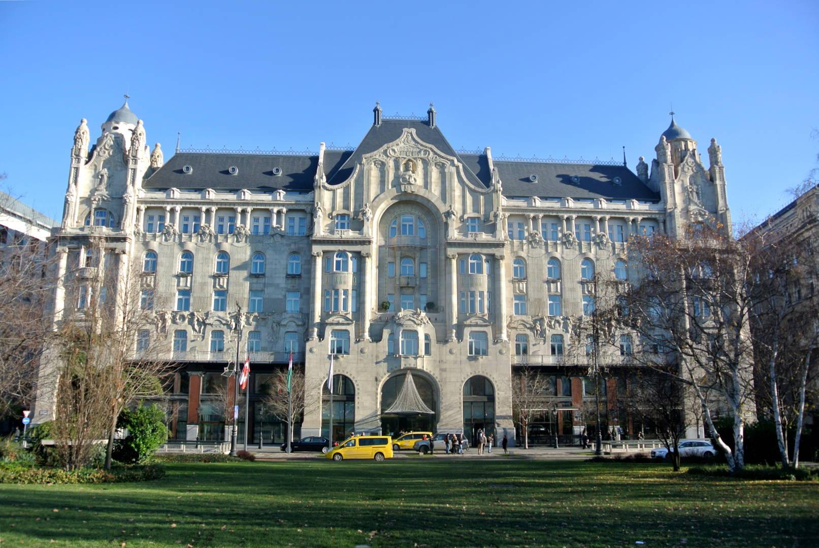 Gresham Palace, Budapest - funiQ
