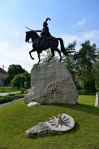 III. János lengyel király szobra