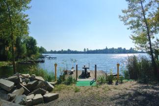 Kavicsos-tó a félszigetről nézve