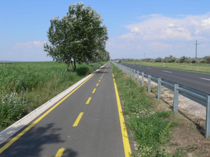 kerékpárút Dinnyés felé
