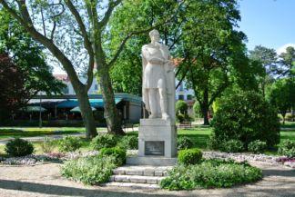 statue of István Széchenyi