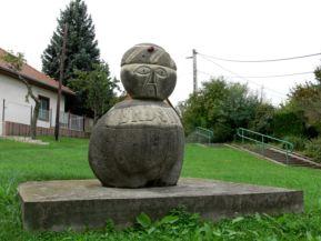 Török basa szobra