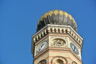 tower and dome of the Dohány Street Synagogue