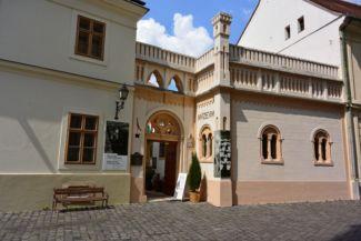 Boldog Gizella Főegyházmegyei Gyűjtemény a Tejfalussy-házban