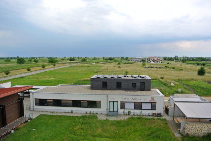 a Nemzeti Park Információs Központ a kilátóból nézve