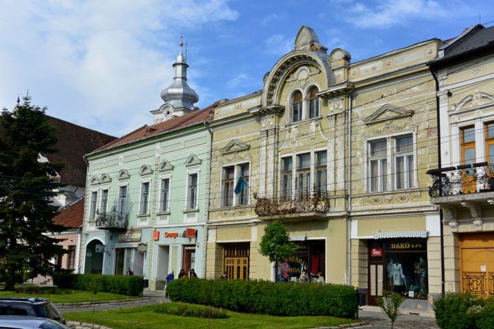 1903-ban épült főtéri épület