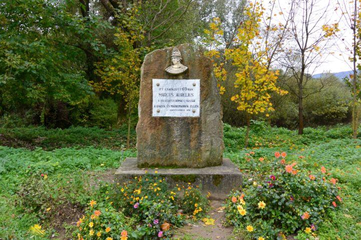 Marcus Aurelius római császár emlékműve a Jenői-tónál