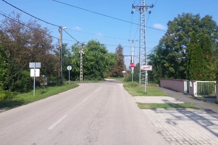 utcakép Tárnok szélén