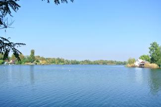 Kavicsos-tó a dél-nyugati oldalról nézve