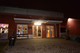 a Pesterzsébeti Jégcsarnok bejárata