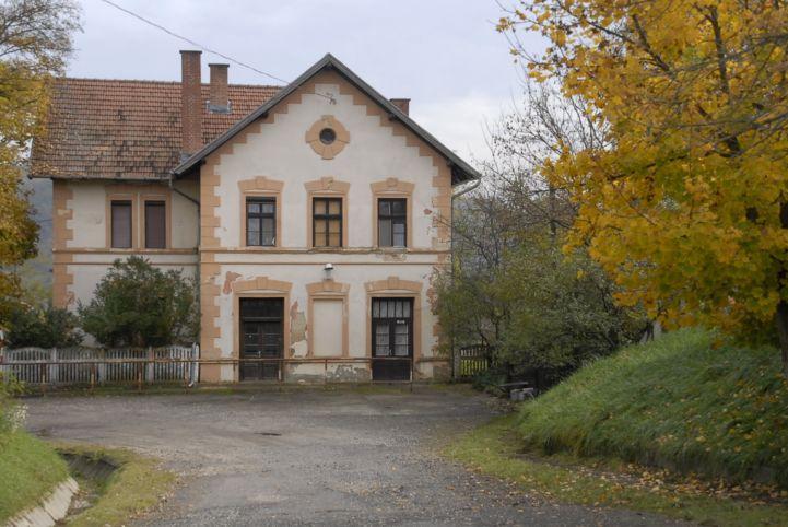 vasútállomás épülete