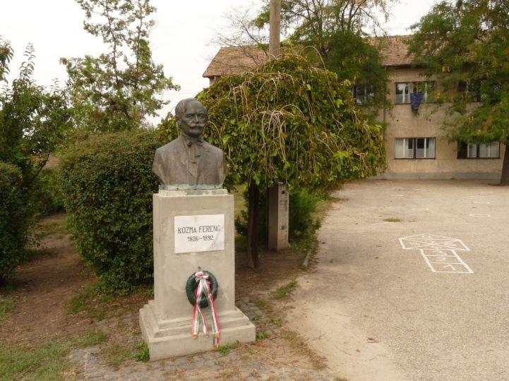 Kozma Ferenc mellszobra