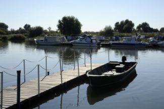 kikötő Dinnyéshátnál