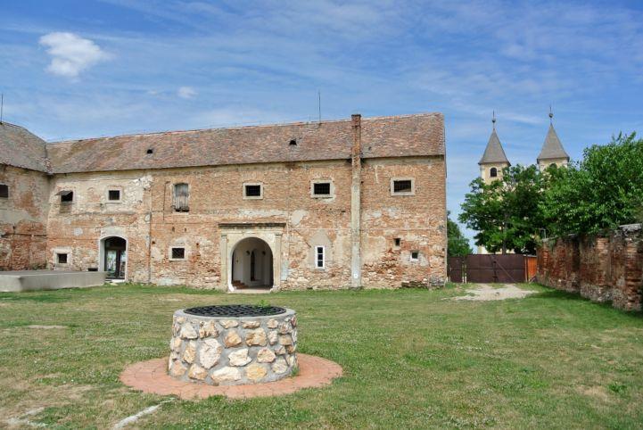 volt Széchenyi-kastély belső udvara