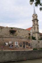 Nagyrondella, háttérben a Szent György-templom tornya magasodik