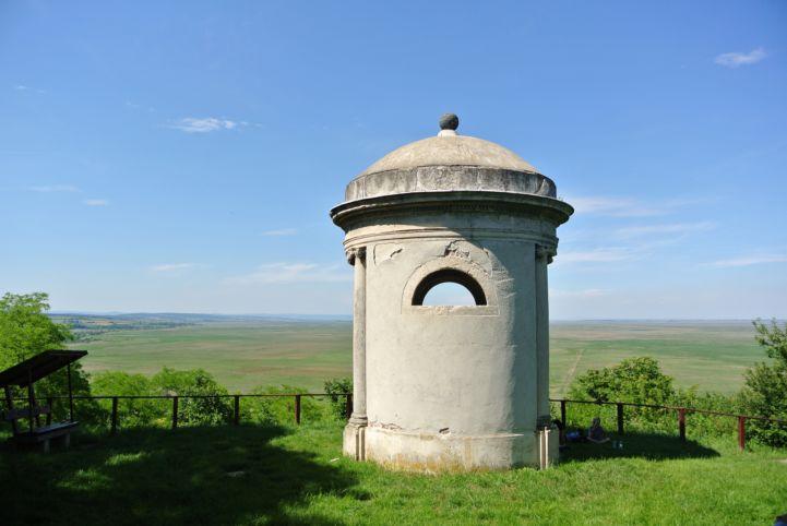 az 1802-ben épült Gloriett kilátó Fertőbozon