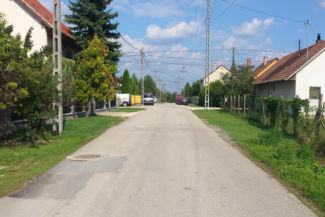 útban a tárnoki vasútállomás felé