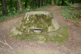 Bunker-tető a Páka és Csömödér közti erdőben