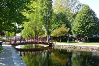 híd a Tapolca-patak fölött