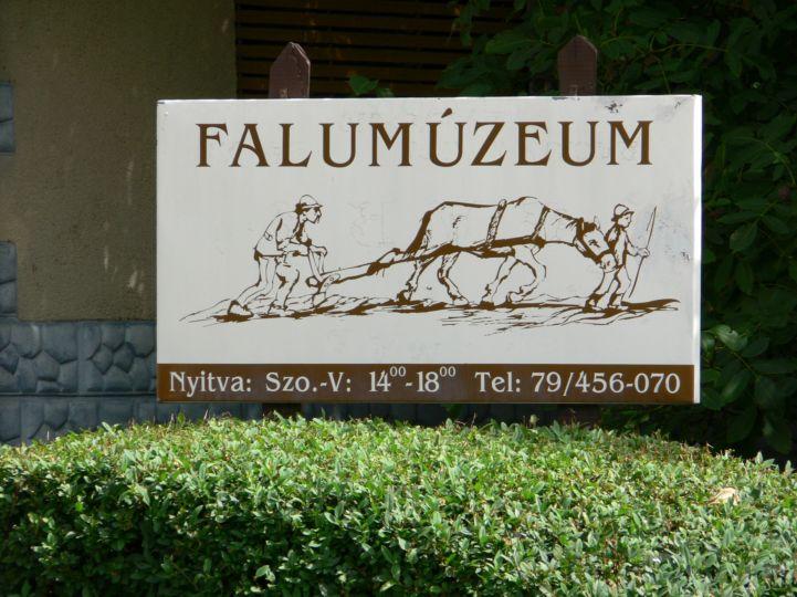 Falumúzeum táblája