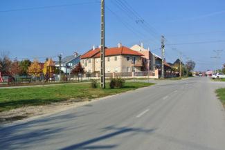a Bóbitajátszótér és lakóházak a Kalotaszeg utcán