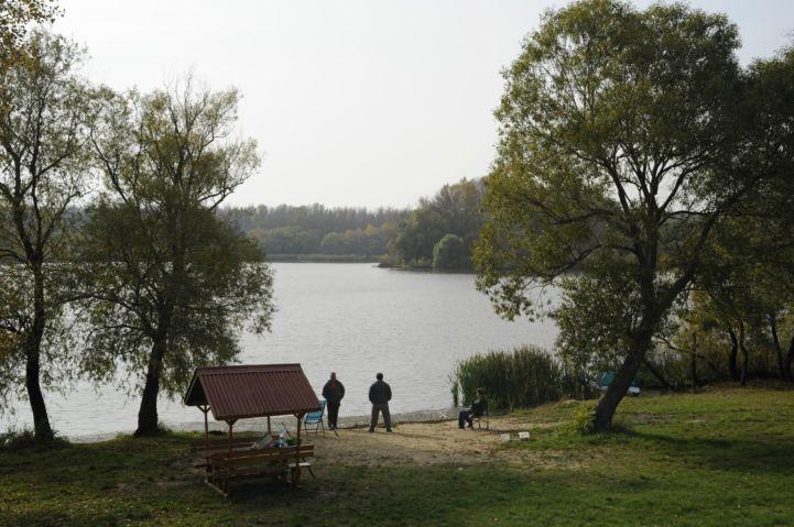 pecások és pihenőhely a Szajlai Holt-Tiszánál