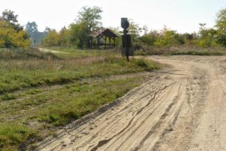 visszanézünk a Pilikáni pihenőre az erdészeti útról