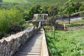 egy lépcsősor a sok közül a szigligeti várban